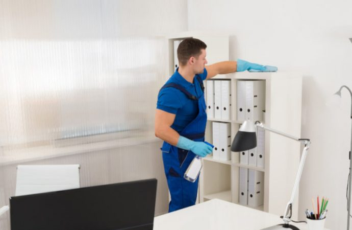 Top 4 Benefits of Hiring a Commercial Cleaning Service